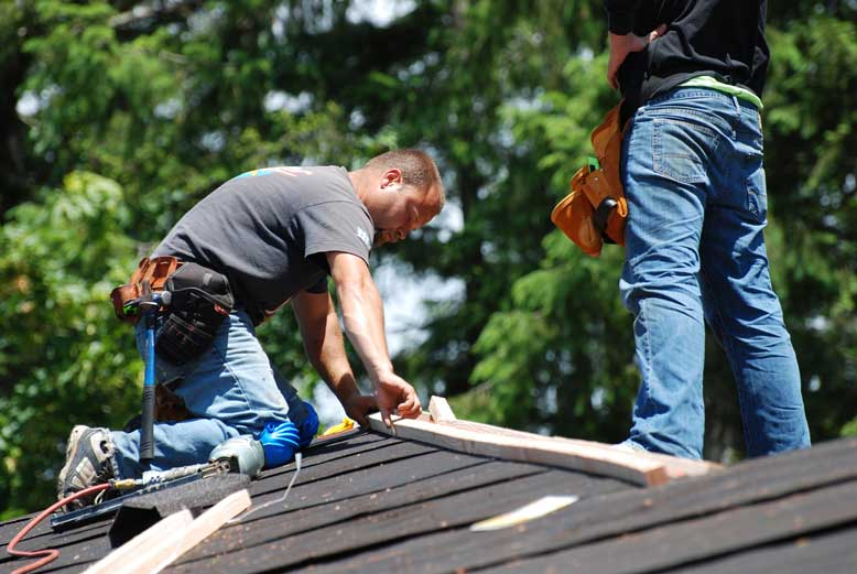 The Roofing Process: How Professionals Install Your New Roof